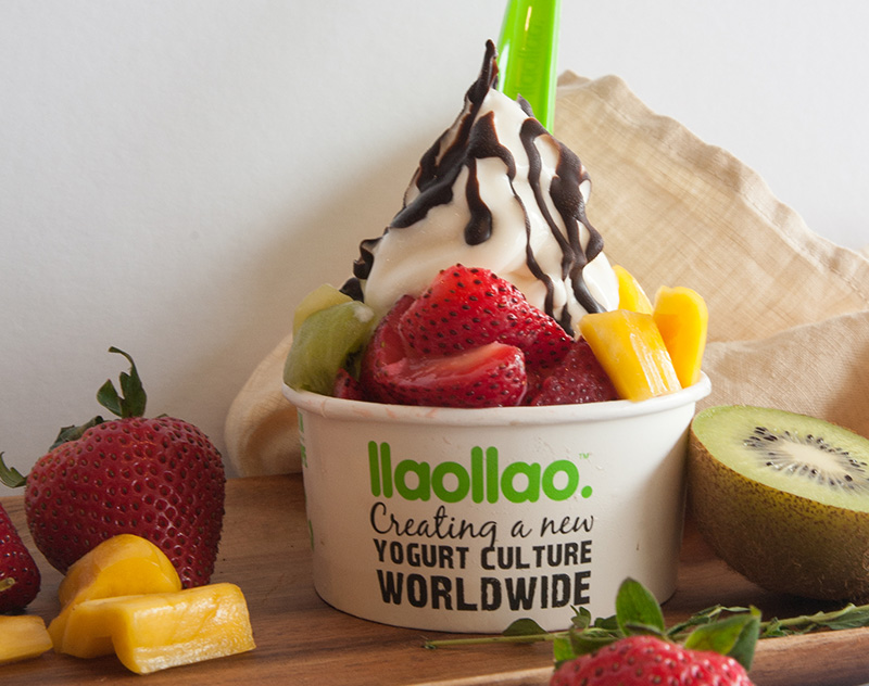 llaollao and Fruits
